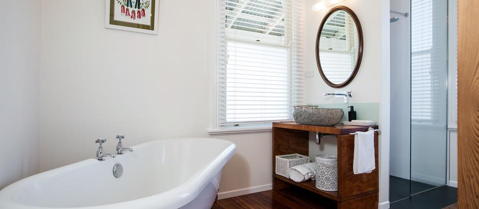 Boutique Suite_Taranaki_Bathroom 2.jpg
