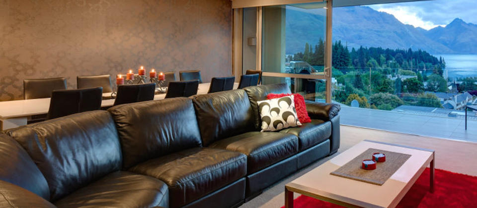 luxury-holiday-houses-villas-apartments-new-zealand-modern-lake-apartment-5371-queenstown.76361.904x505.jpg