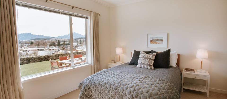 Release Wanaka - Willowridge, looking out to the mountains and gardens from the guest room