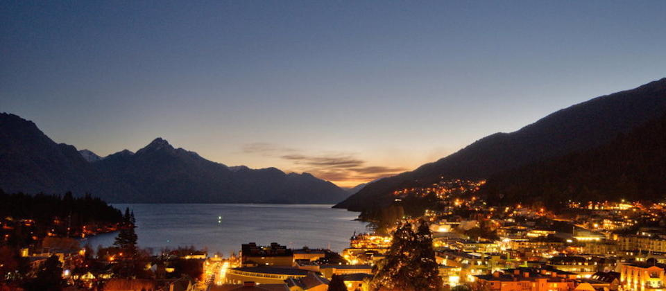 new-zealand-queenstown-luxury-holiday-houses-villas-apartments-top-of-the-lake-2505.40550.904x505.jpg