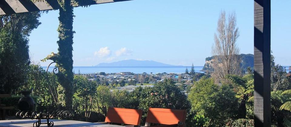 Brenton Lodge boutique accommodation Whangamata