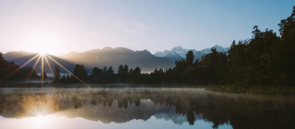 Beautiful sunrise over Lake Matheson.jpg