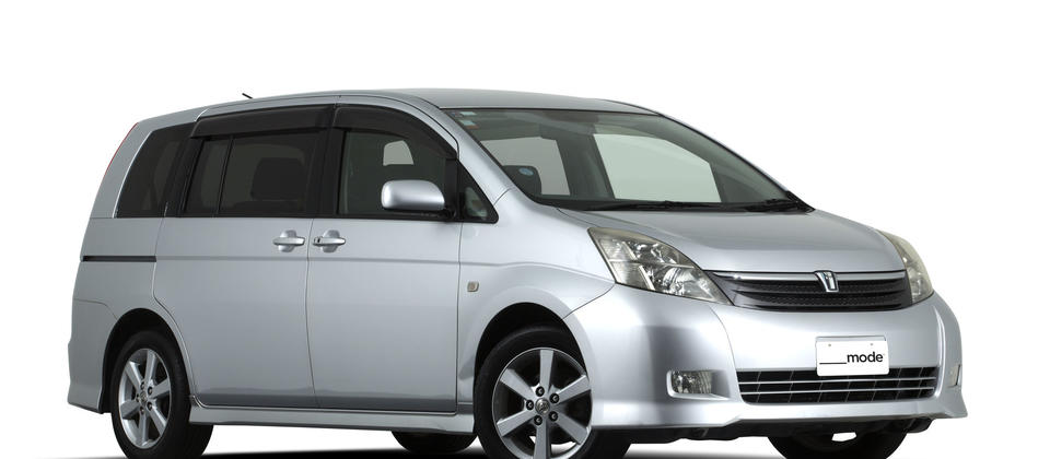 Toyota Wish People Mover