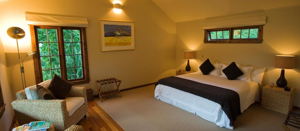 Interior of guest cottage suite at Owen River Lodge