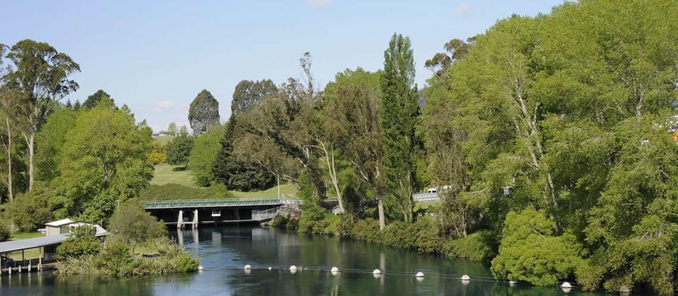two-view-river-bridge-taupo.jpg