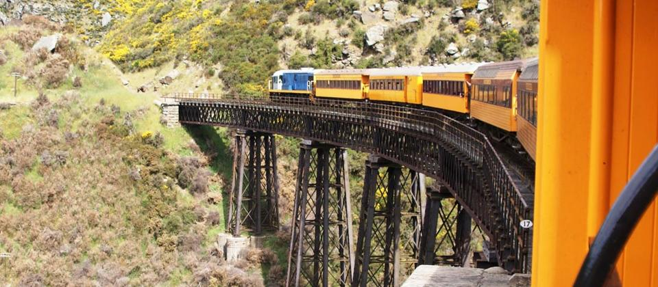 Taeiri Gorge Railway to Dunedin