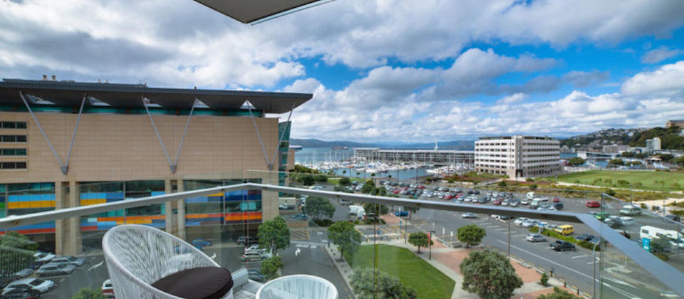 new-zealand-luxury-holiday-houses-villas-apartments-wellington-piermont-view-4794.81867.904x505.jpg