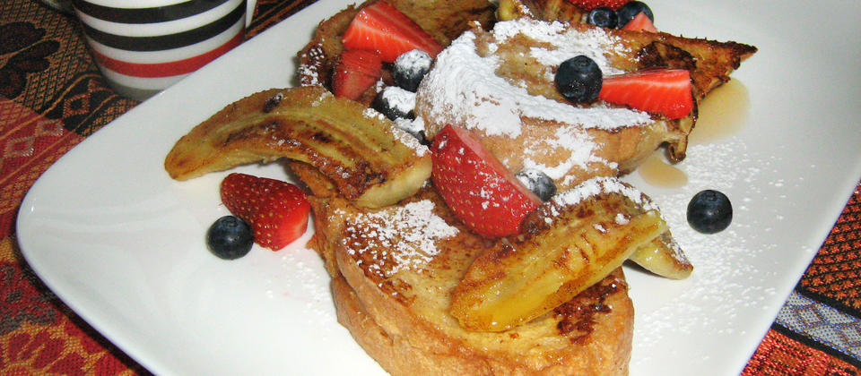 Hearty breakfasts served daily. (Pictured: French Toast with fried banana and berries)