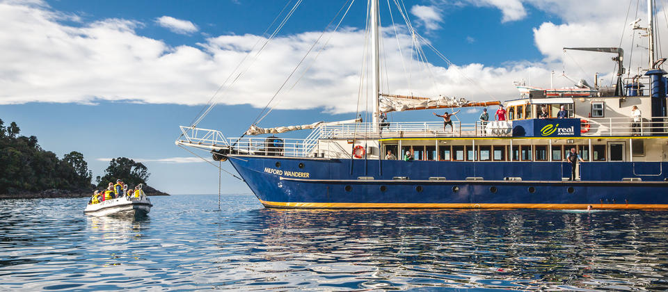 Milford Sound Coach & Overnight Cruise - Real Journeys