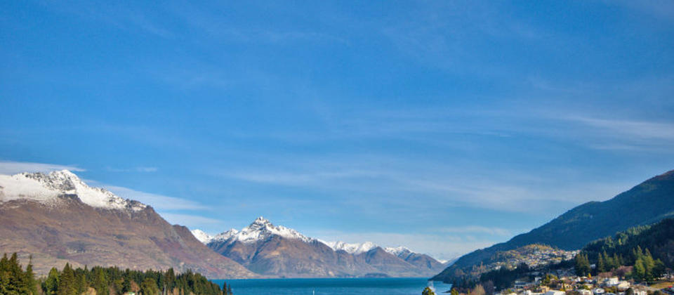 centrally-superior-3821-luxury-holiday-houses-villas-apartments-new-zealand-queenstown.86673.904x505.jpg