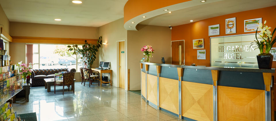 Garden-Hotel-Accommodation-Reception-Christchurch.jpg