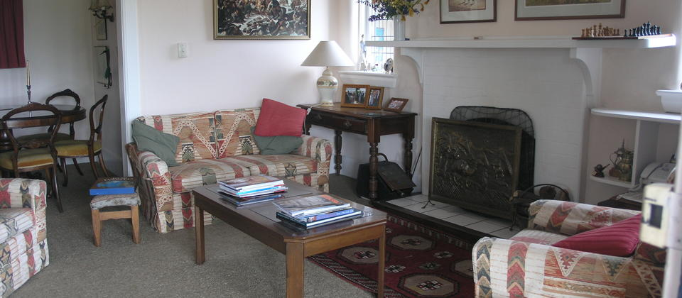 Jones B&B Homestay - multiple living areas