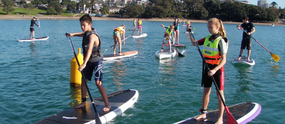 Local school children with Stand Up Takapuna.
