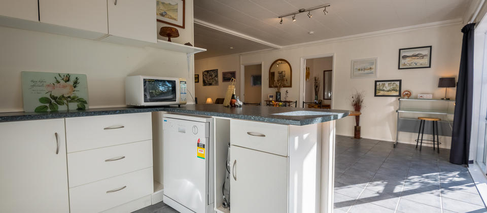 Rokena  Retreat Kitchenette.jpg