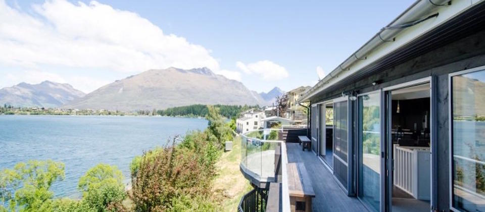 luxury-holiday-houses-villas-apartments-frankton-lakehouse-8582-new-zealand-queenstown.101962.904x505.jpg