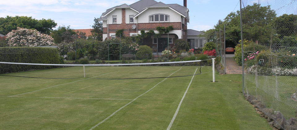 grass tennis court at Jones B&B Homestay