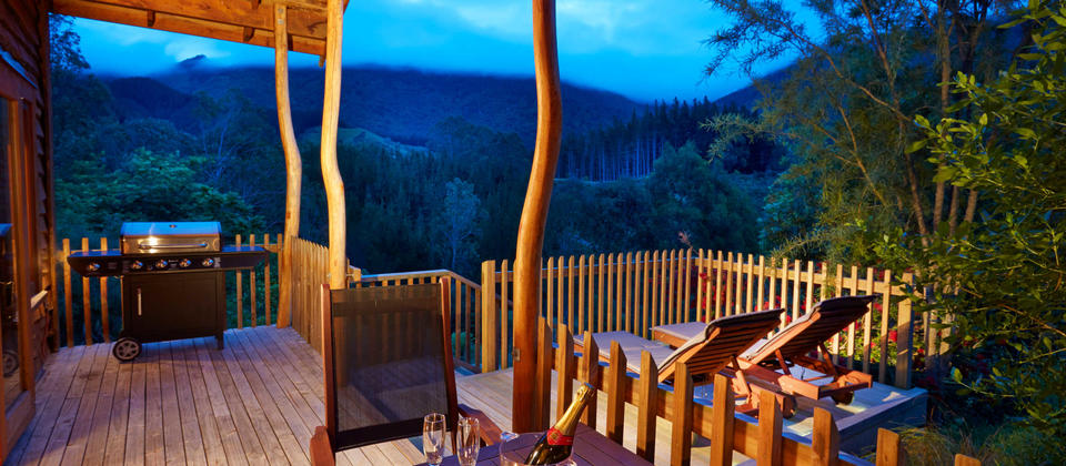 bush lodge deck