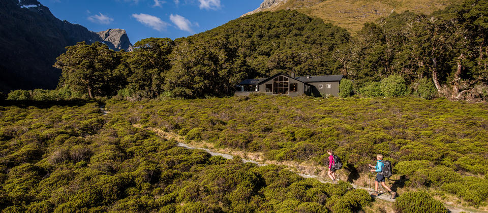 Mackenzie Lodge on the Routeburn Track Guilded Walk