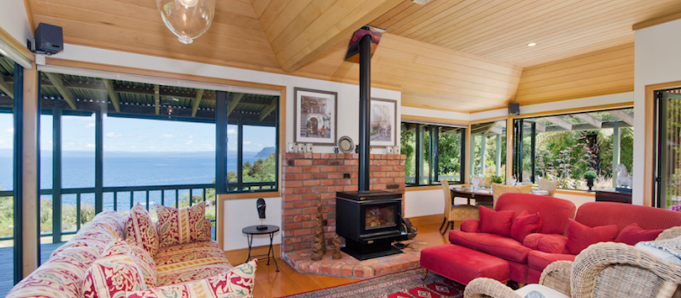 new-zealand-taupo-treetops-lakestay-7908-luxury-holiday-houses-villas-apartments-lake-taupo.93646.904x505.png