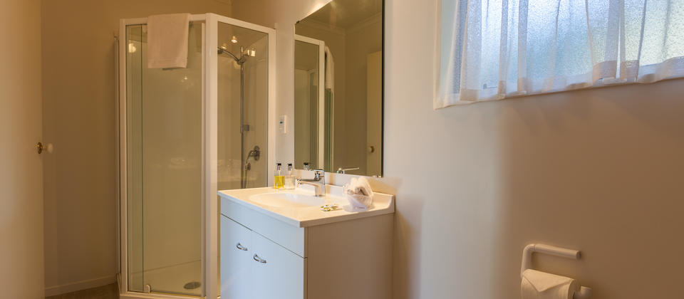 Motel Te Kuiti | Studio Unit - Bathroom