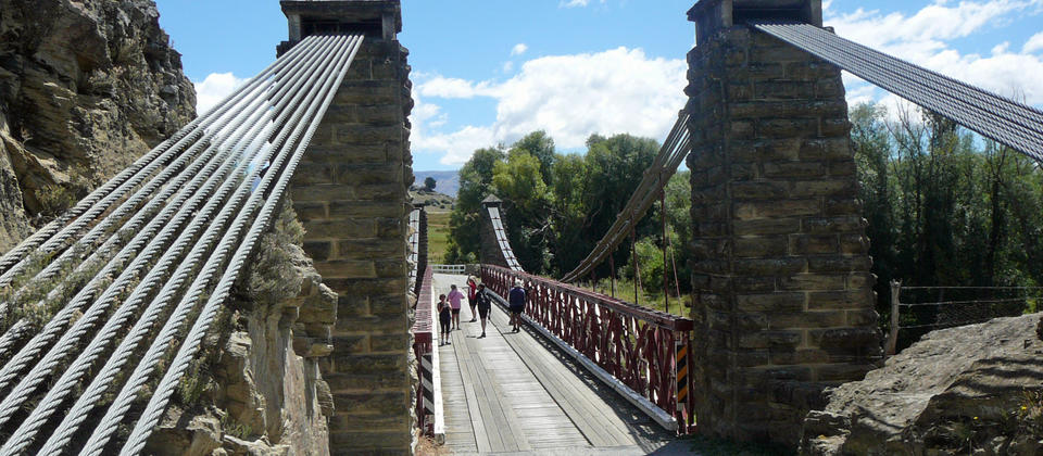 off trail sightseeing to Ophir bridge on the Otago Rail Trail