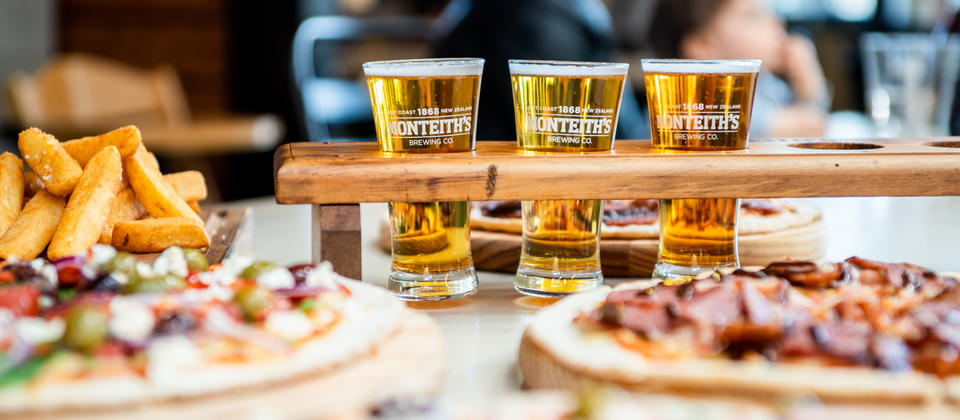 Tasting trays of 3 or 6 beers available with expert tasting notes to guide you