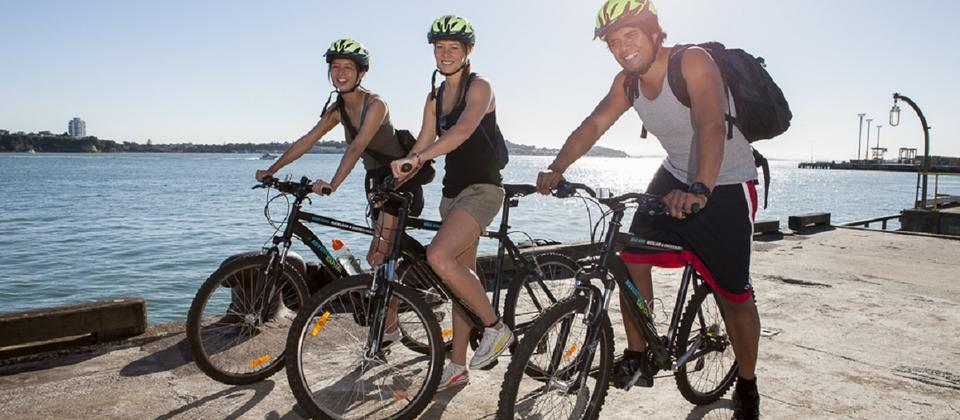 Enjoy a leisurely bike ride around Auckland on safe off road cyclepaths