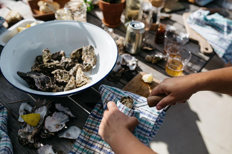 Mahurangi Oysters will teach all there is to know about oysters while guests enjoy freshly shucked delicacies with local beer, wine and juice.