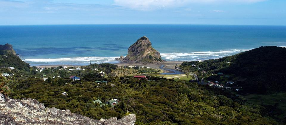 At the base of the Waitakere Ranges Regional Park you'll find the wild and beautiful Piha Beach