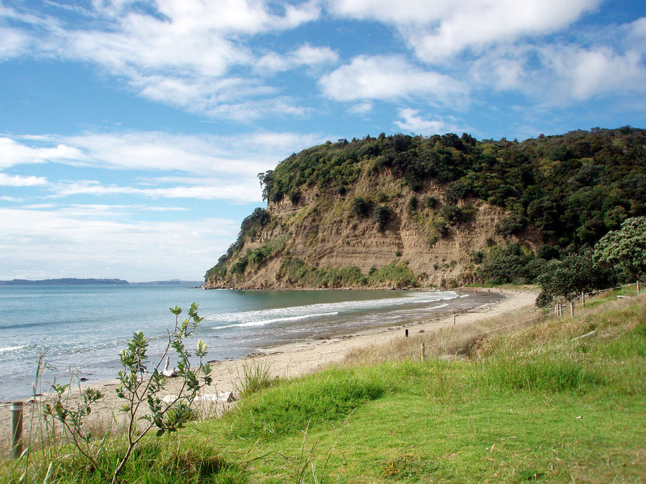 Only 30 minutes' drive from Auckland CBD, Wenderholm Regional Park is known for its long, tranquil beaches and shady pohutukawa trees.