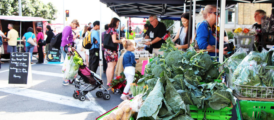 Every Saturday morning, Auckland's top growers meet at Britomart to sell their fresh produce at the City Farmers' Market.