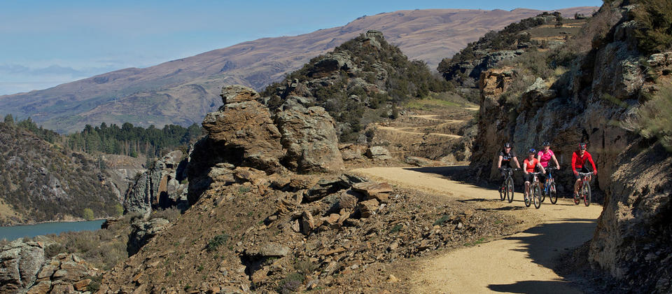 Winding curves of the Roxburgh Gorge Trail