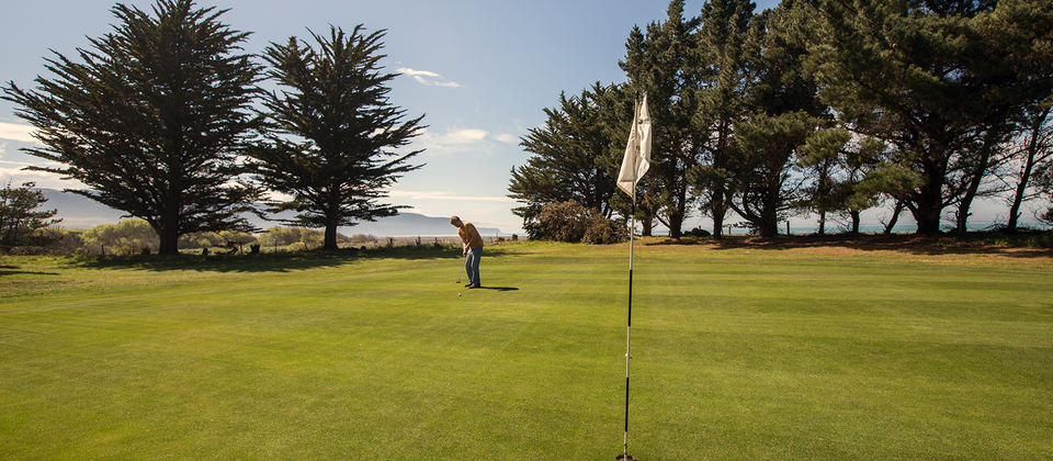 Amberley Beach golf course