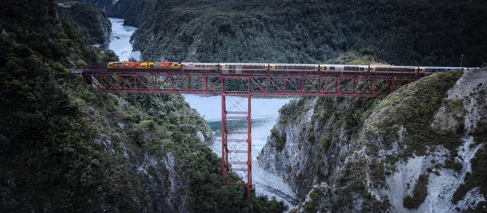 The TranzAlpine crossing the Staircase Viaduct