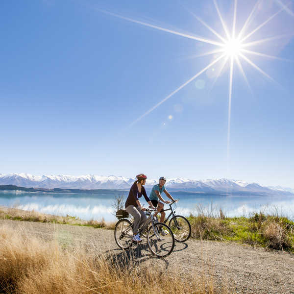 Cycle or hike past turquoise lakes and the soaring Southern Alps on this well-formed trail.