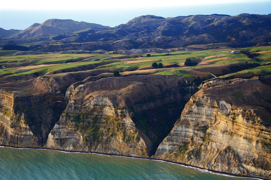 The spectacular cliffs of Cape Kidnappers Golf Course overlook the Pacific Ocean.