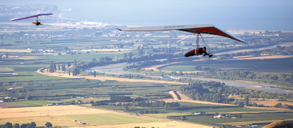 For the best view of the Hawke's Bay, you can strap yourself to a hang glider or drive to the top of Te Mata Peak.