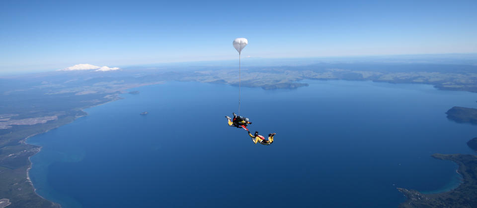 Skydive over Lake Taupo