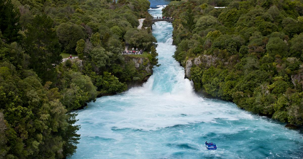 Huka Falls - Things to see and do - Lake Taupo   New Zealand