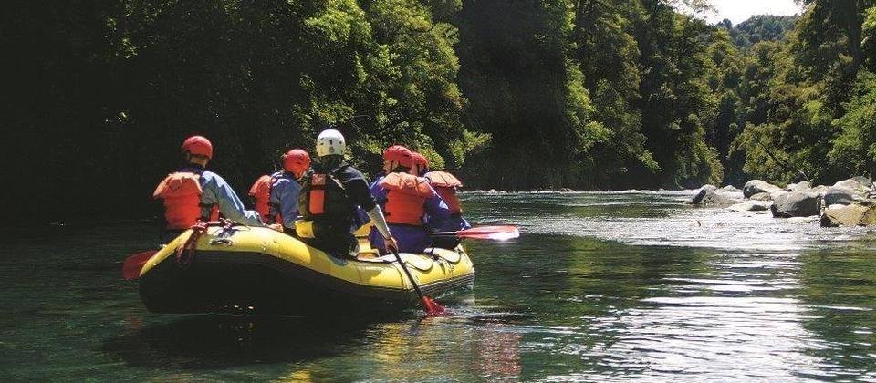 he magical waters of the Tongariro River provide one of nature's finest, fun-filled roller coaster rides.
