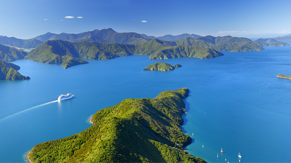 Cruising in the Marlborough Sounds