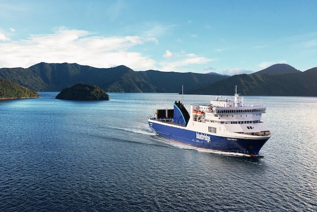 Ferries & water taxis in New Zealand   Things to see and do