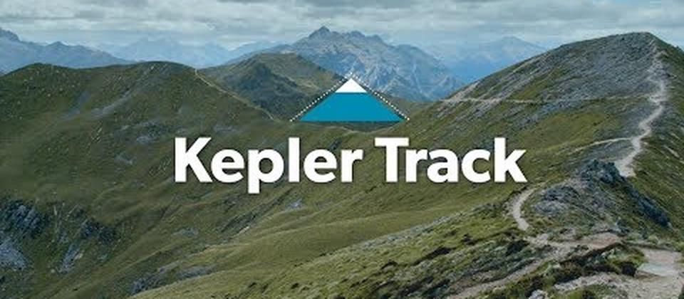The Kepler track is a 60km loop that takes you alongside glistening alpine lakes, through dense beech forest and up into a spectacular alpine environment. Th...