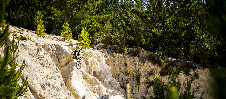 This great little mountain bike park is nestled in the forest beside one of New Zealand's most beautiful beach resorts - Kaiteriteri.