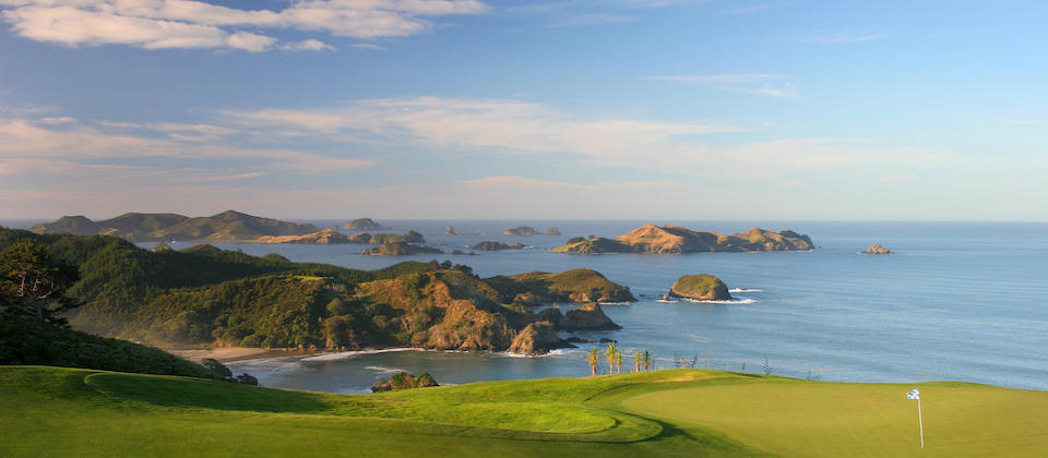 Kauri-16th-Hole-with-Cavalli-Islands.jpg