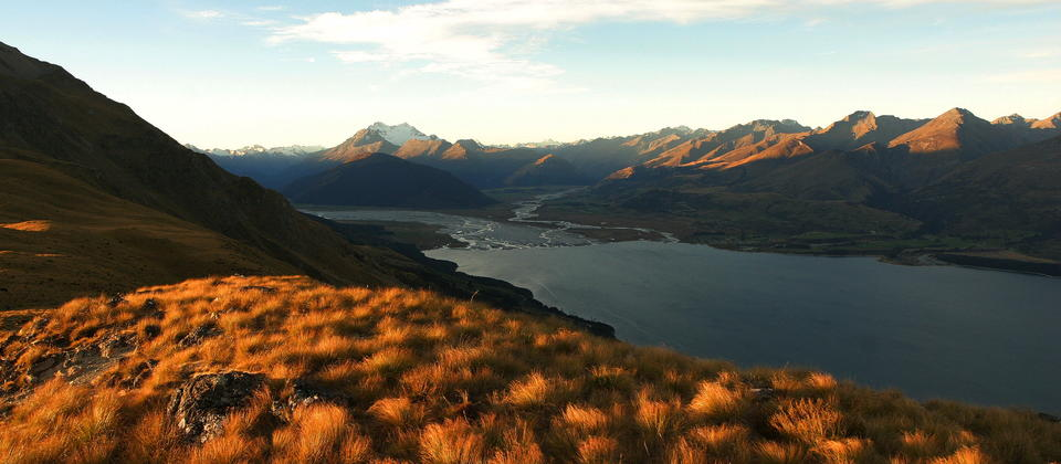 Great views of Mt Earnslaw and the surrounding valleys, appear as Isengard in the LOTR movies.