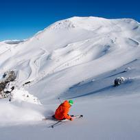 Skiing fresh powder at Mount Hutt