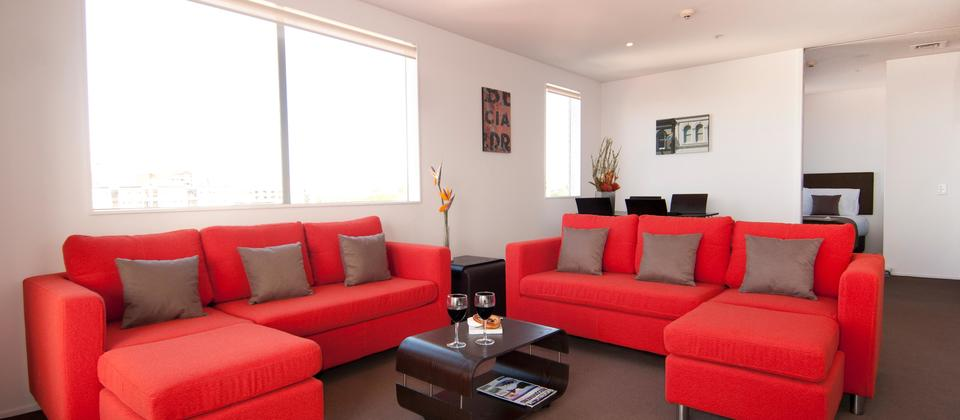 Spacious apartments in central city Auckland, a perfect self catering accommodation option, especially for families. Chatham Apartments, Auckland.