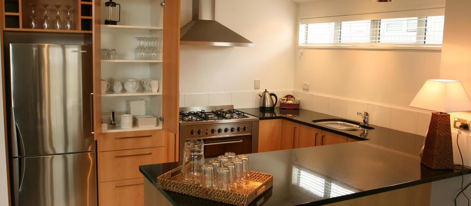 Fully self catering kitchen in a 3 bedroom apartment. Alpine Resort, Lake Wanaka