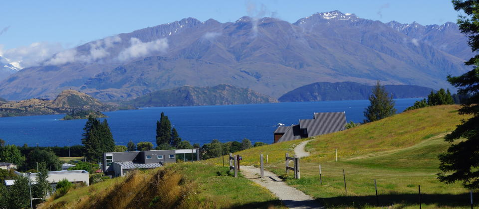 Don't miss the picturesque Lake Wanaka